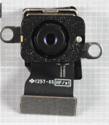 「新しいiPad」のiSightカメラは、「iPhone 4」と同じ「Qmnivision OV5650」を採用