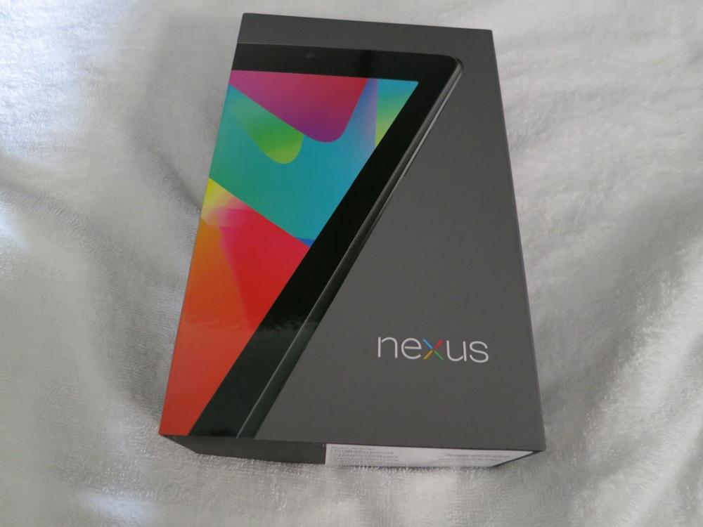 「Nexsus 7」開封レポート、さらに「iPhone 5」「新しいiPad」と比較してみた