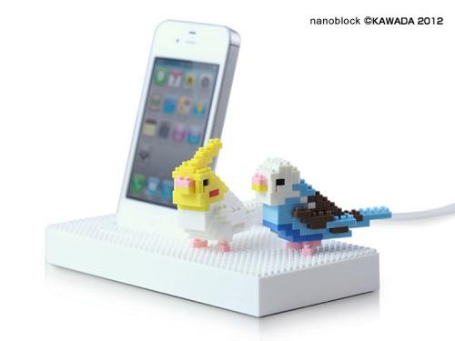 フォーカルポイント、ナノブロックでオリジナルDockが作れるiPhone/iPod用ユニバーサルDock「essential TPE nanoblock Universal Dock」を発売。