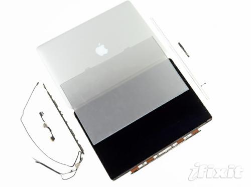iFixit、「MacBook Pro Retinaディスプレイモデル」のディスプレイ部分のバラシレポートを公開