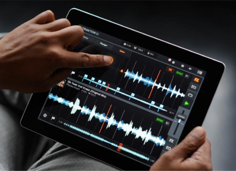 Native Instruments、iPad向けプロフェッショナルDJアプリ「TRAKTOR DJ」リリース