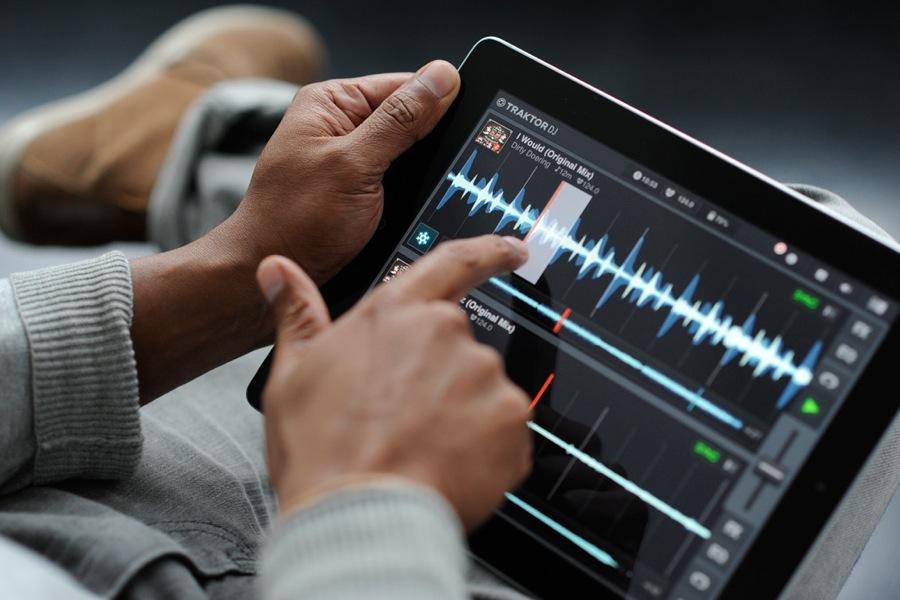 「Traktor DJ for iPad」を使ったDJ講座 (1回目)