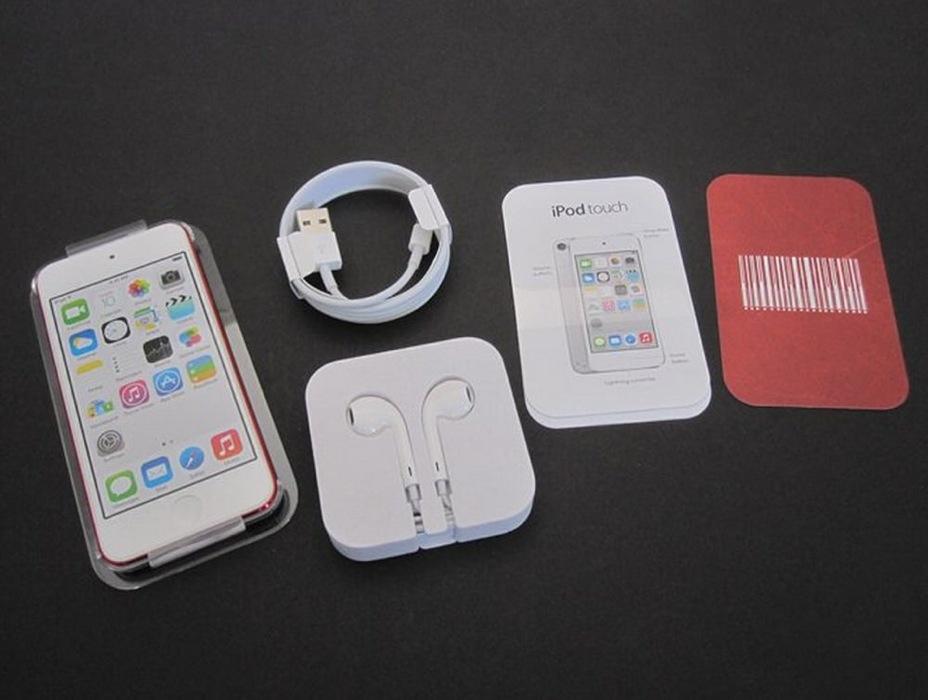 iLounge:新たに発売されたiSightカメラ搭載の「iPod touch(第5世代) 16GBモデル」のフォトレポートを公開