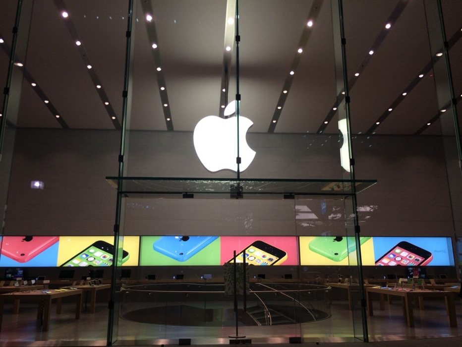 「Apple Store, Omotesando」には「iPhone 6」「iPhone 6 Plus」の発売当日販売分が大量に確保されている!?