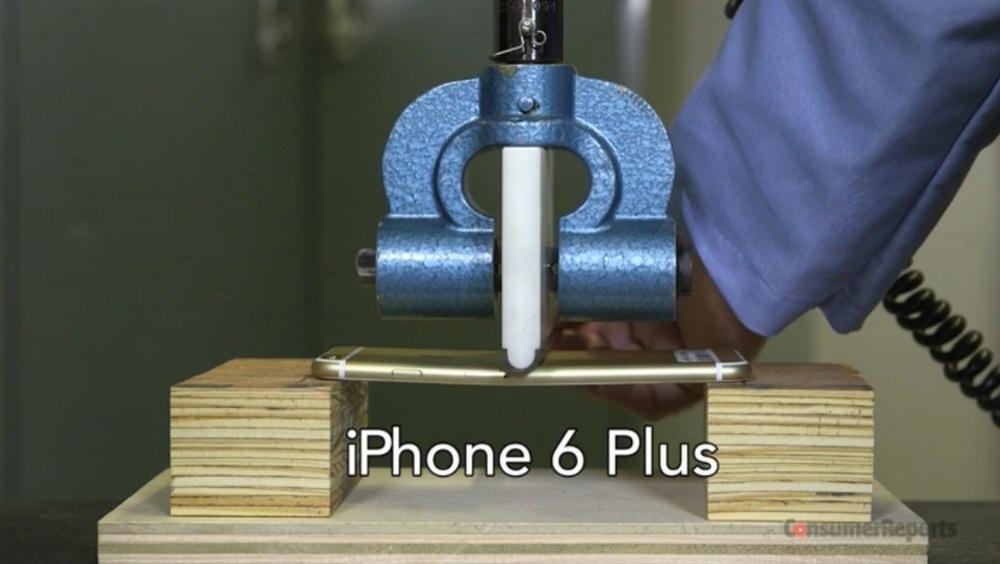 Consumer Reports、「iPhone 6」「iPhone 6 Plsu」などで3点曲げテストを実施、通常の使用では問題ないと予測される