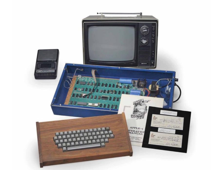 Steve Jobs氏から直接購入したとされ動作する「Apple I」がオークションで365,000ドルで落札される