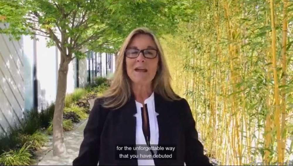 Angela Ahrendts氏、スタッフ向けにビデオメッセージで「Apple Watch」や「MacBook」の現状について説明