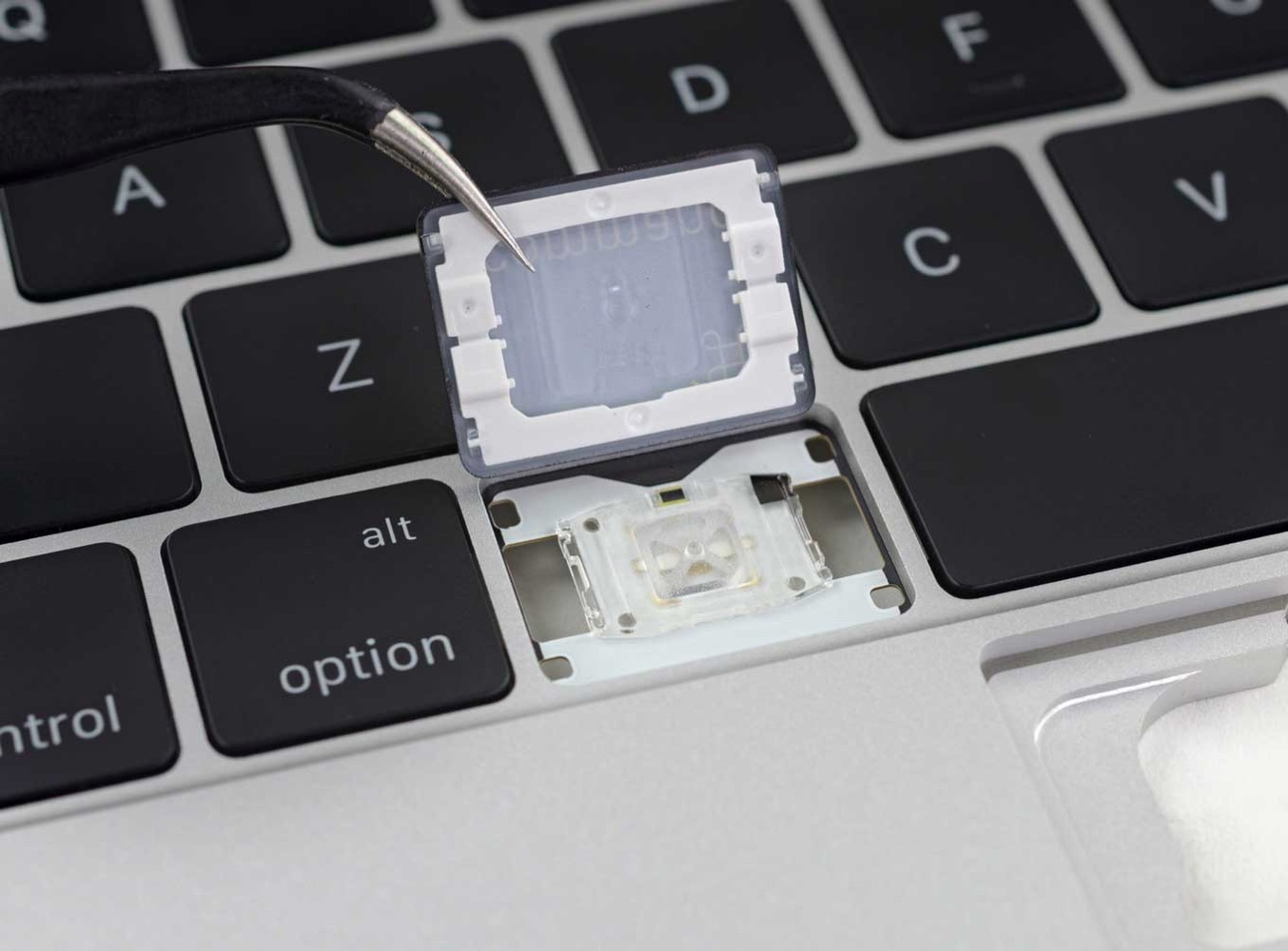 Ifixitmacbook 03