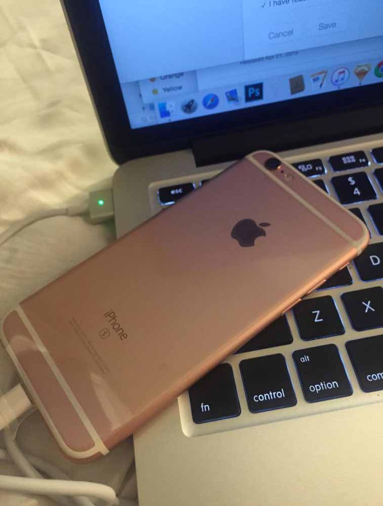 「iPhone 6s」のローズゴールドモデルをフライングで入手した人が現れる