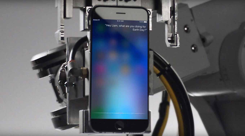 Apple、アースデイ向けのTVCM「Siri and Liam – Earth Day」を公開