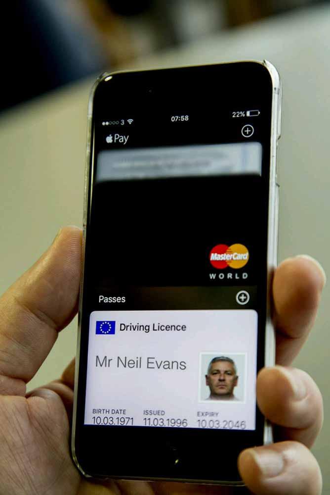 免許証もiPhoneで管理?イギリスの運転免許庁が「Wallet」アプリで表示できる運転免許証のプロトタイプを公開