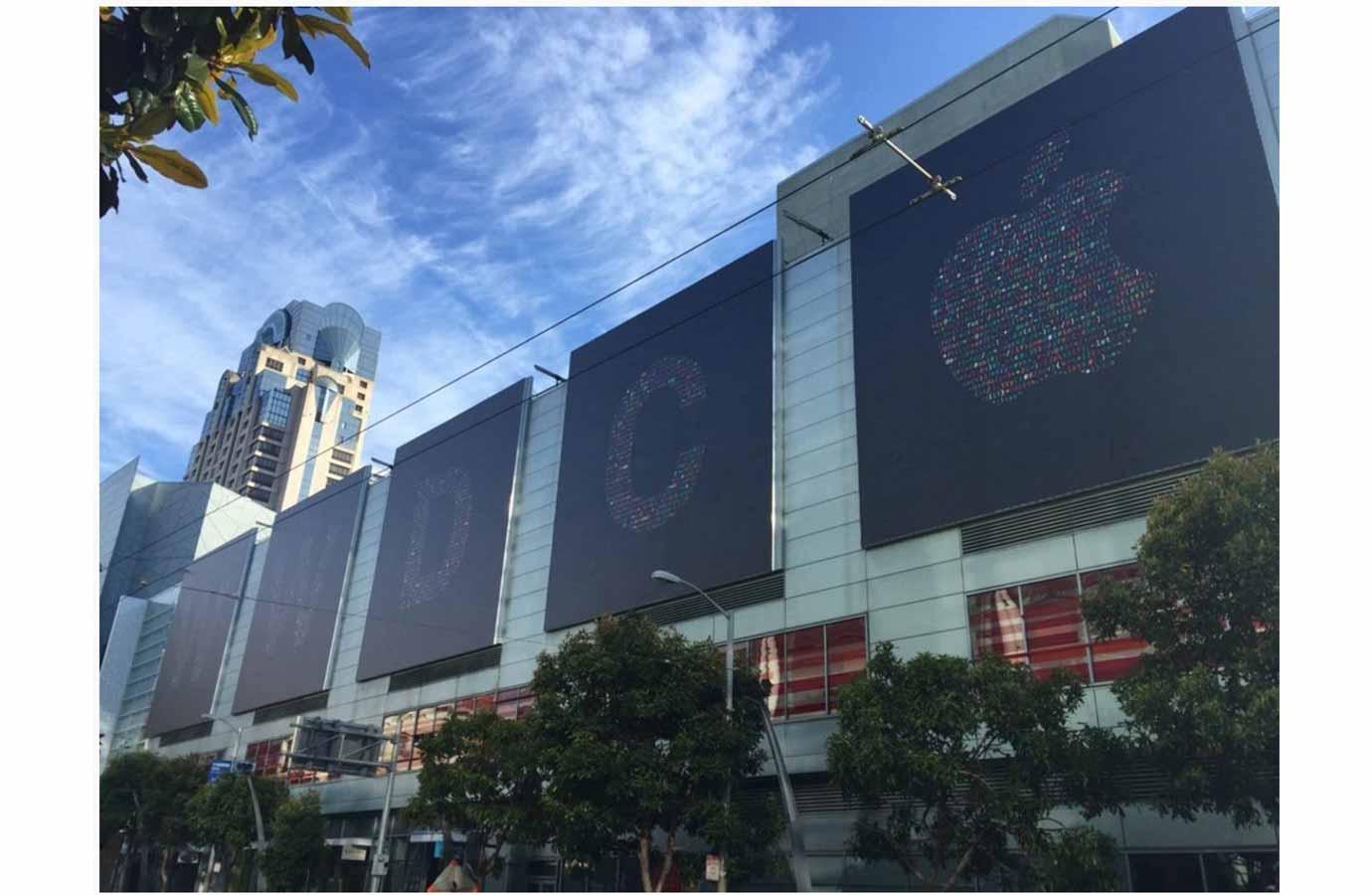 「WWDC 2016」の会場「Moscone West」でも準備が着々と進む