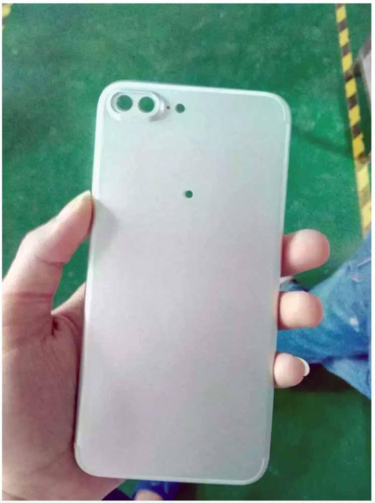 Foxconnで撮影された「iPhone 7 Plus」の筐体とされる画像がリーク??