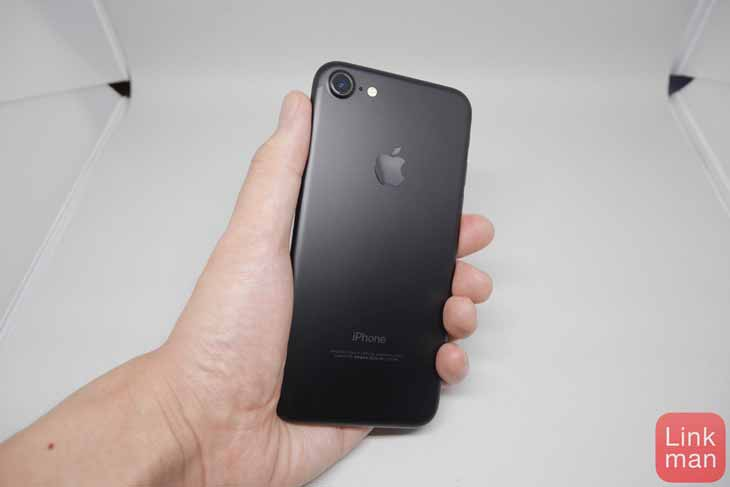 「iPhone 7」フォトレビュー:ブラックモデルをチェック