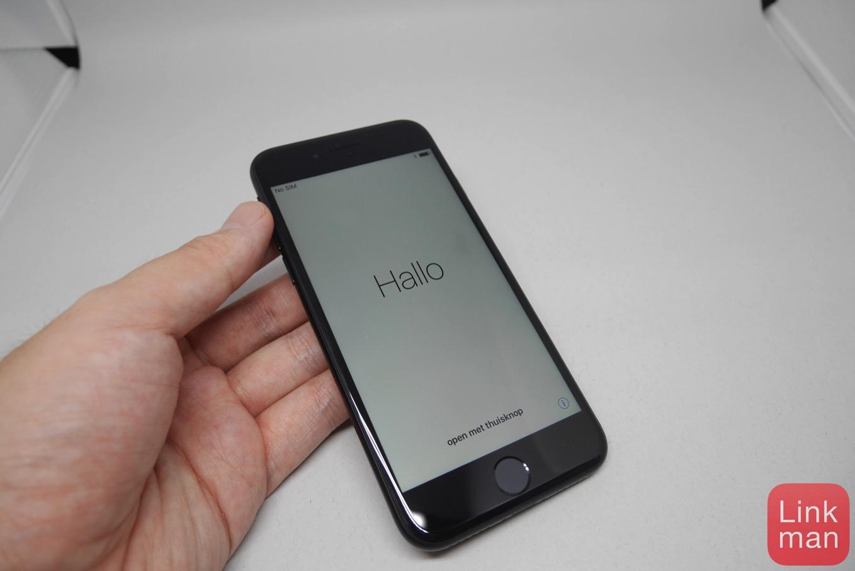 次期「iPhone」のプレミアムモデルは曲面ディスプレイを搭載するも「Galaxy S7 Edge」より緩やかに!?