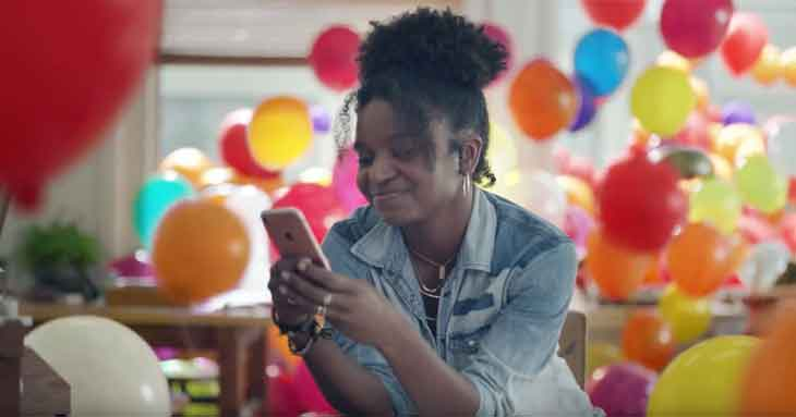 Apple、「iPhone 7」の新しいTVCM「Balloons」を公開