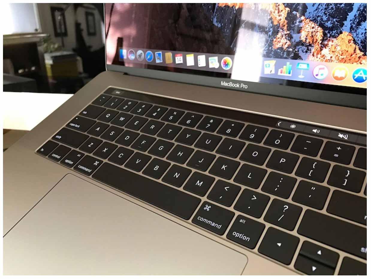 早くもTouch Bar搭載「MacBook Pro (Late 2016)」を受け取ったユーザーがあらわれる