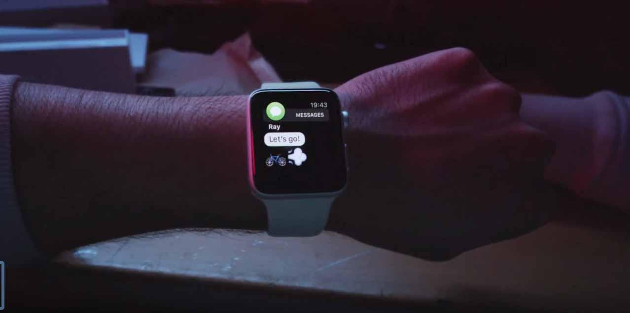 Apple Japan、「Apple Watch Series 2」のホリデーギフト向けTVCM「Ride」と「Surf」を新たに公開