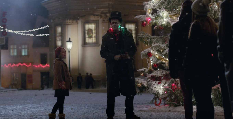 Apple Japan、クリスマスシーズン向けTVCM「Frankie's Christmas」を公開