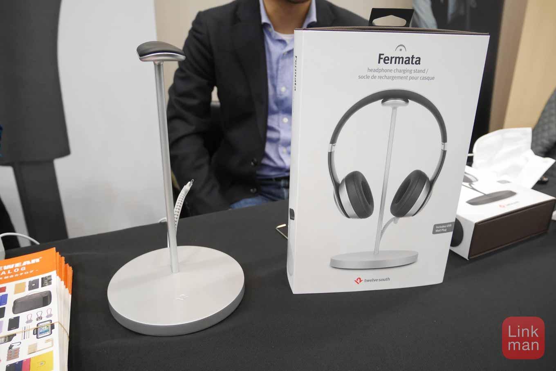 ポタフェス2016レポート:フォーカルポイント、充電機能付きヘッドフォンスタンド「Fermata」を展示