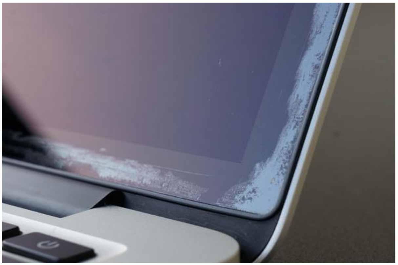 Apple、「MacBook」シリーズのRetinaディスプレイのコーティングが剥がれる問題に対応するリペアプログラムの期間を拡大