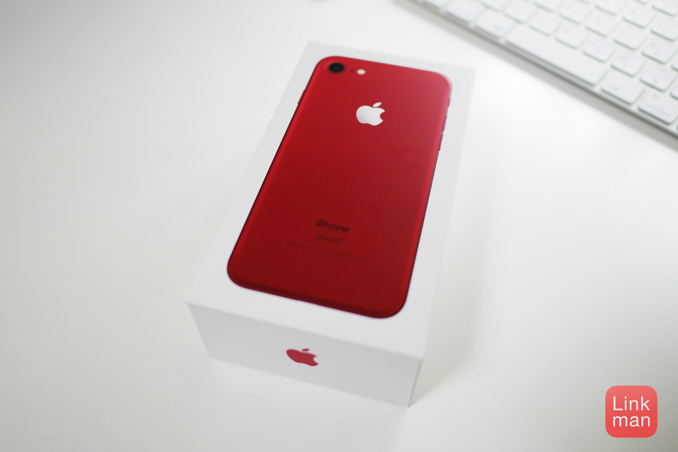 【レビュー】「iPhone 7 (PRODUCT)RED Special Edition」の外観チェック