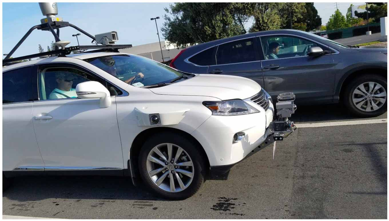 Appleの自動運技術のためのテスト車が目撃される