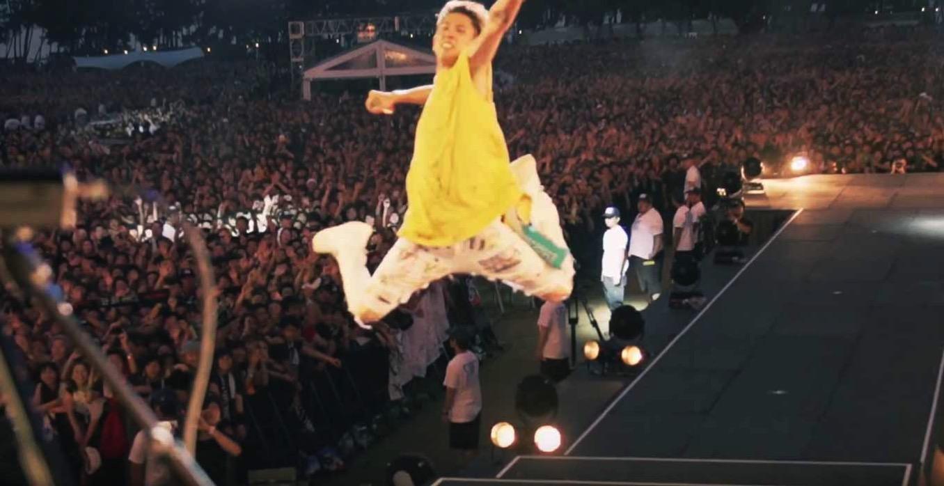 Apple Japan、ONE OK ROCKが出演する「Apple Music」のCM「アツい出会いがここにある」を公開