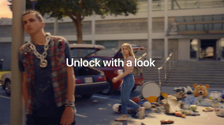 Apple、「iPhone X」の新しいCM「Unlock」を公開