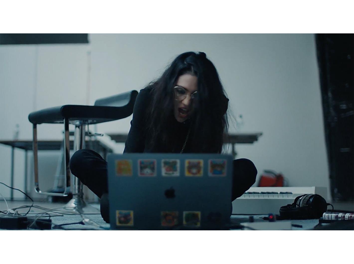 Apple Japan、Macの活用事例を紹介したキャンペーン動画「Macの向こうから」公開