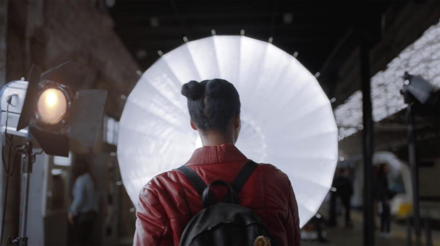 Apple Japan、iPhone Xの新しいCM「スタジオをポケットに」を公開