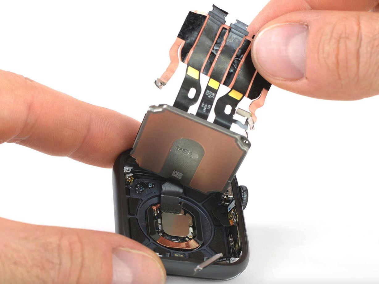 Ifixitapplewatch4 1