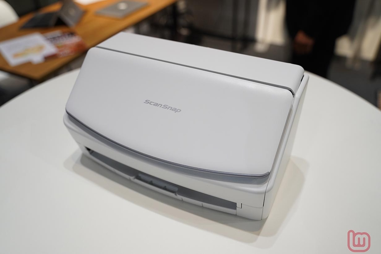 PFU、タッチパネルを搭載したパーソナルドキュメントスキャナ「ScanSnap iX1500」を発表