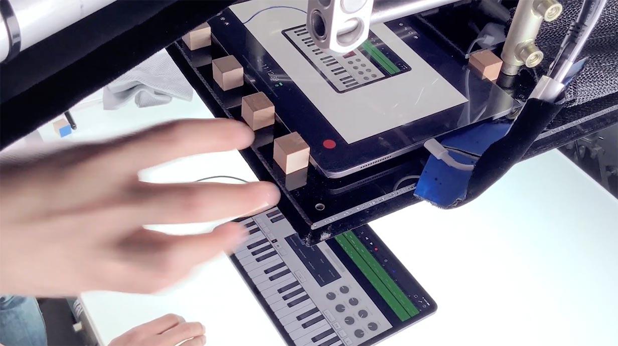 米Apple、iPad Proのプロモーション動画「A new way to」シリーズの舞台裏を撮影した動画を公開
