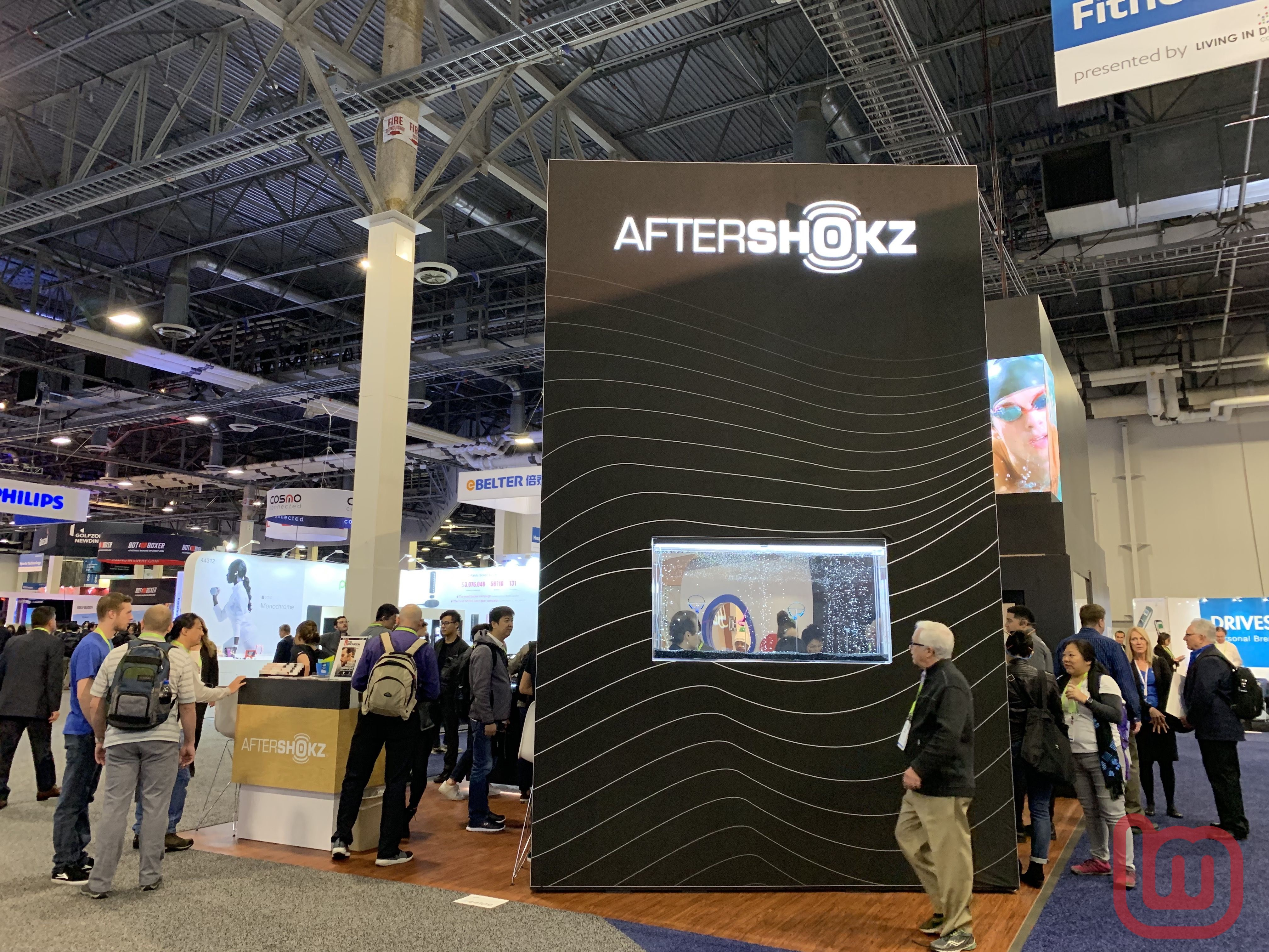【CES 2019】Aftershokz、サングラス型骨伝導ヘッドホン「Optishokz」などの新製品を展示