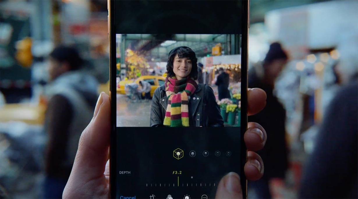 米Apple、iPhoneXS/XRの新しいCM「Depth Control ー The Backdrop」を公開