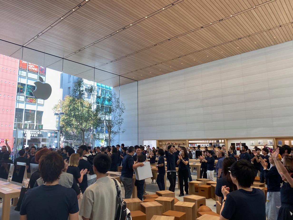 Apple 福岡 天井
